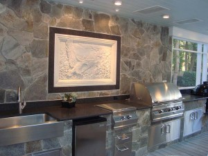 dove-gray-stone-veneer-with-impala-black-leather-granite-4