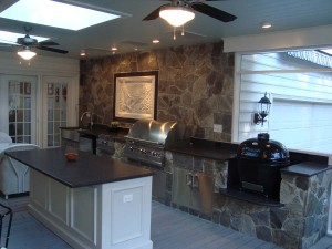 dove-gray-stone-veneer-with-impala-black-leather-granite3